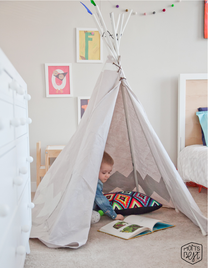 st-louis-makeover-roman-reading-book-in-teepee