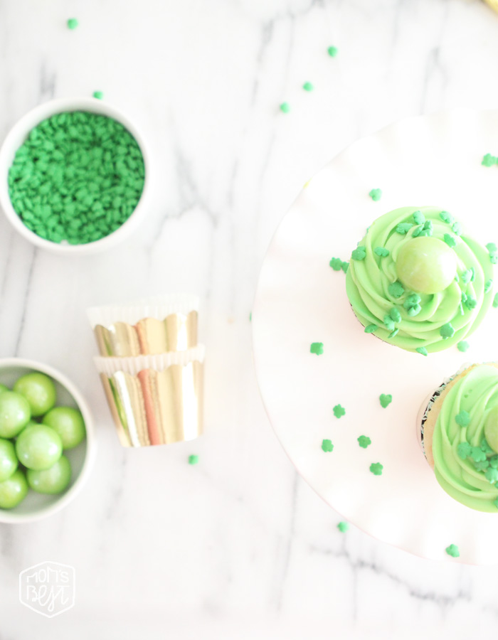 st patricks day gumball cupcakes
