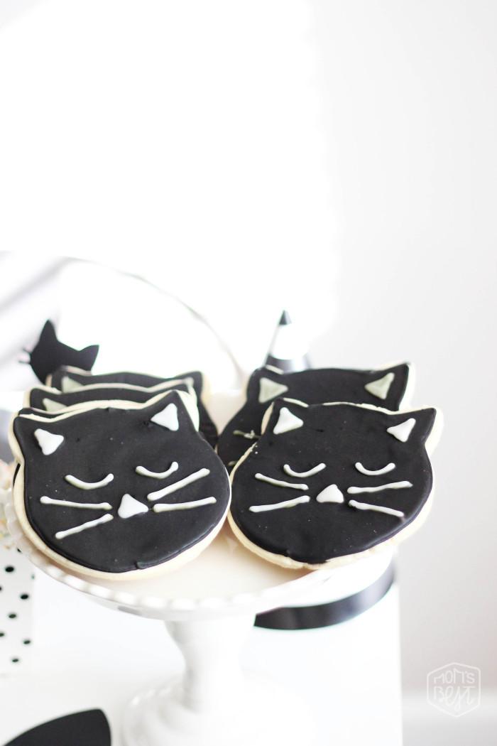 black cat cookies