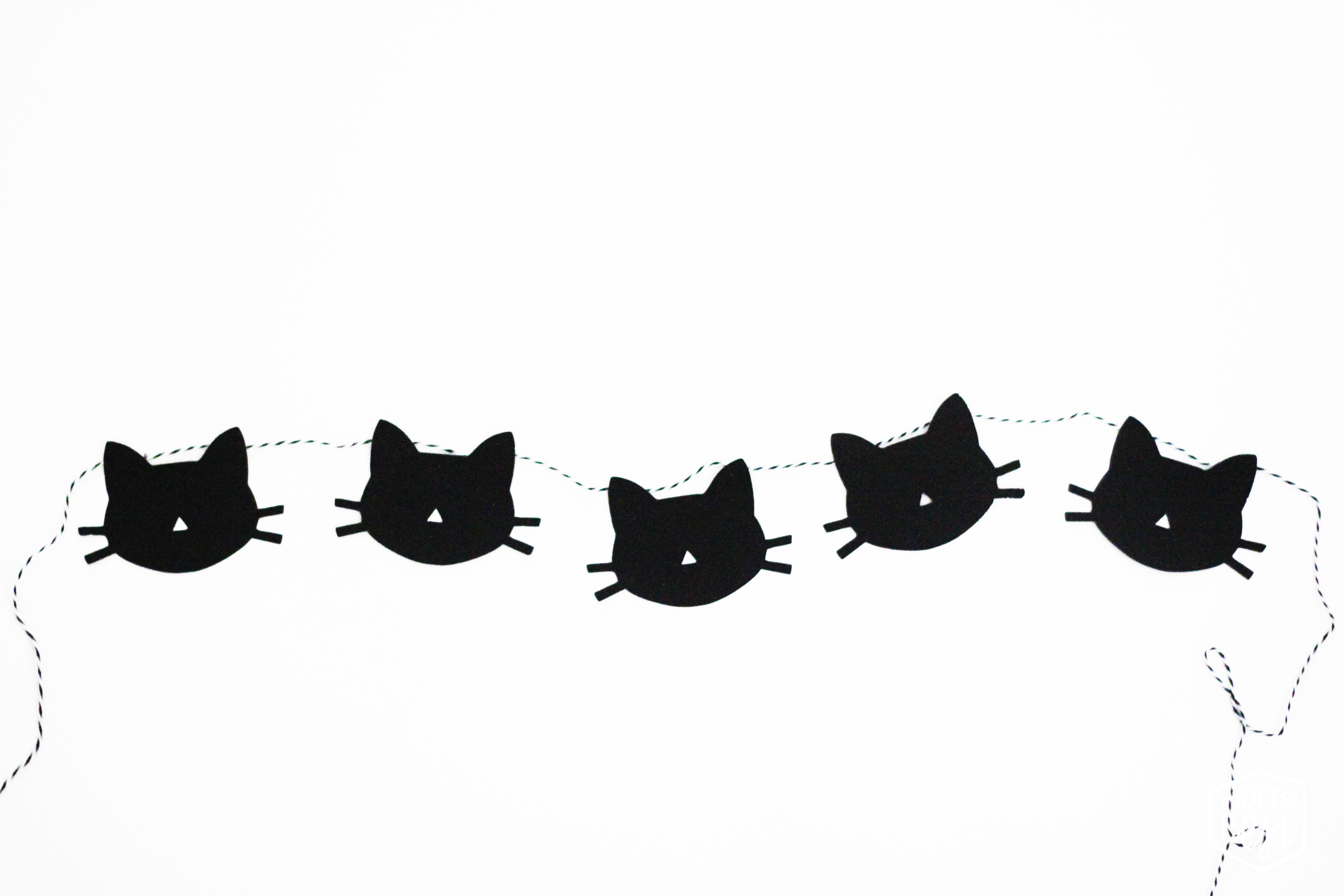 photograph relating to Cat Stencil Printable titled Do it yourself Cat Garland + Totally free Printable! Desired destination Nursery